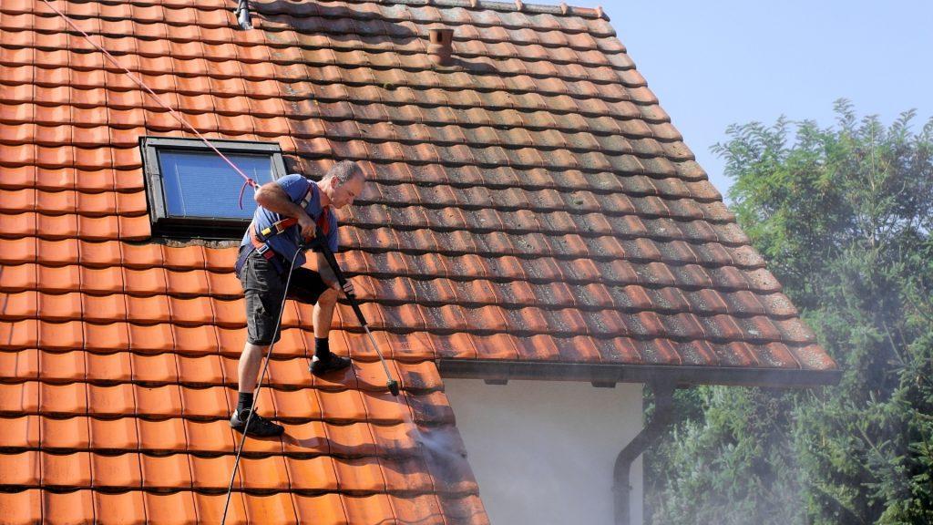 Nettoyage et demoussage toiture Six-Fours-les-Plages